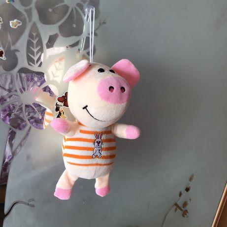 Мягкая игрушка свинка на присоске