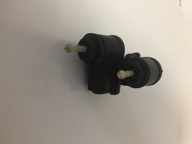 Golf IV Bora silniczek regulacji lampy (Komplet 2 - sztuki)