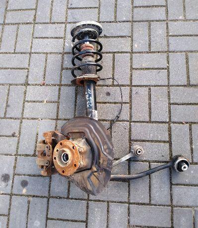 BMW X3 F25 2.0D zawieszenie prawy przód amortyzator wahacz zwrotnica