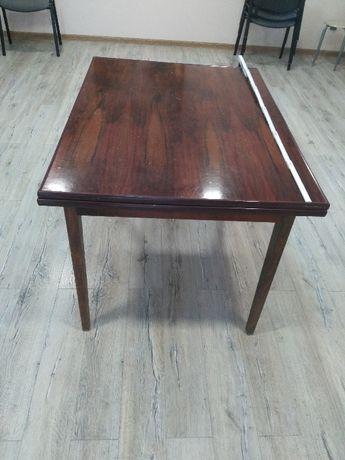Stół duży rozkładany lakierowany z PRLu