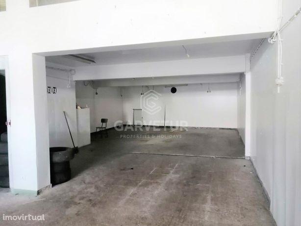 Armazém comercial junto à Zona Ribeirinha de Portimão, Al...