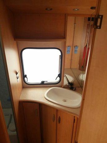Łazienka brodzik umywalka przyczepa kempingowa Thetford