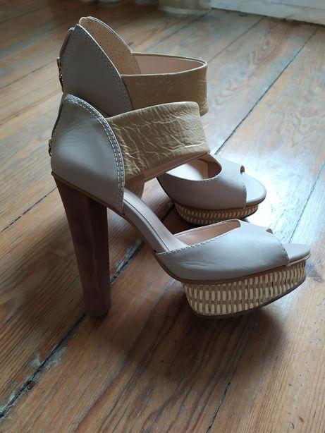 Sapatos zilian novos