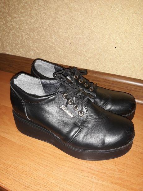 Продам кожаные женские туфли 36 размер