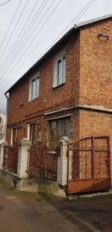 Продається 4-ох кімнатна квартира по вул.1 Скнилівський провулок
