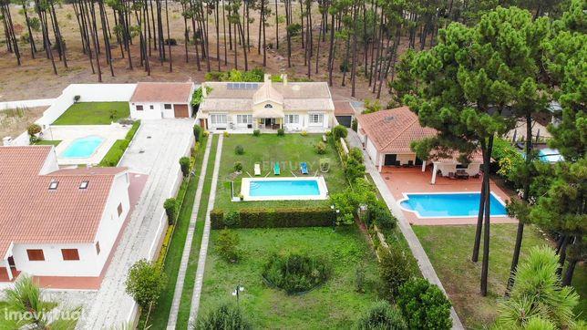 Moradia térrea na Verdizela com piscina e terreno de 1.000m2