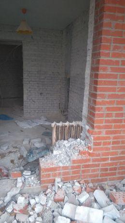 Демонтаж стен, плитки, стяжки. Подготовка квартиры к ремонту.