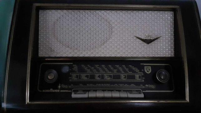 Rádio Antigo Nordmende