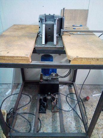 Máquina de dobrar - prensa