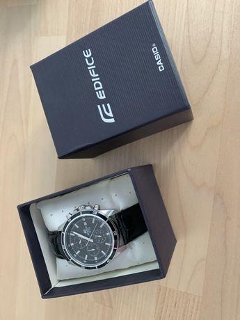 Zegarek CASIO Edifice EFR-526