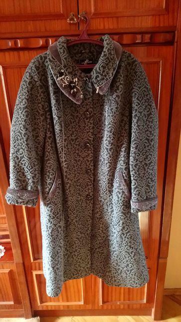 Жіноче пальто, розмір 60