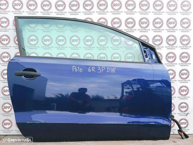 Porta VW Polo 6R de 2012, 3 portas direita, com pequeno toque.