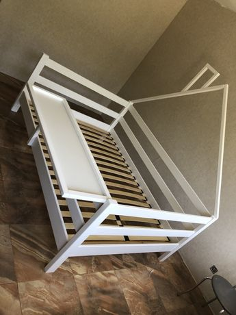 Детская кровать , кровать из дерева кровать домик