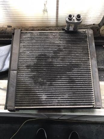 Радиатор кондиционера который под торпедойTOYOTA Camry 40