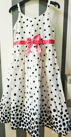 Sukienka w grochy dla dziewczynki rozmiar 134