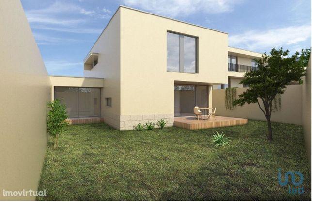 Moradia - 160 m² - T3