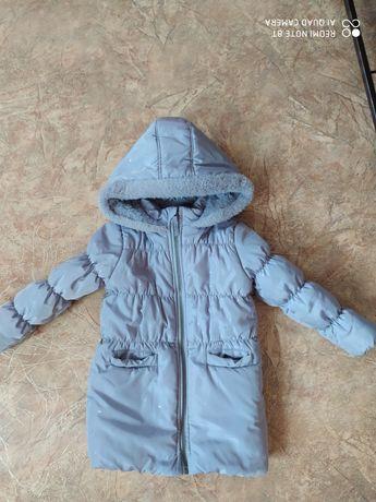 Зимова куртка.                     M