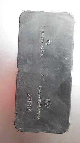 Pompa pneumatyczna (kompresor) centralnego zamka GOLF III HELLA