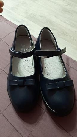 Туфли на девочку в школу 1 сентября