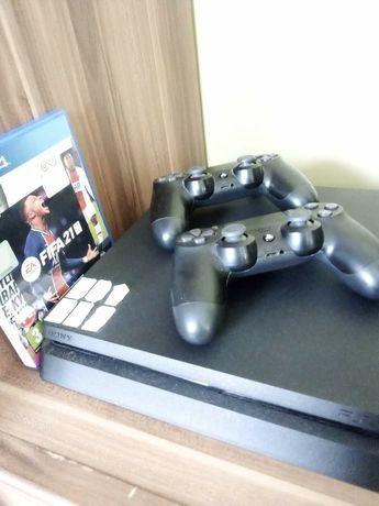 Konsola PS4, 2 pady