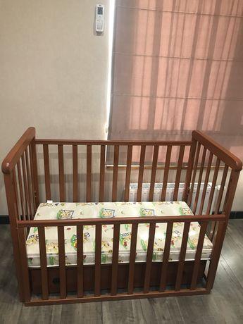 Детская кроватка с маятником veres