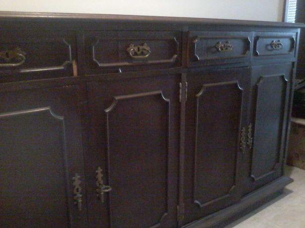 Sapateira ou móvel para qualquer utilização, com 4 portas e 4 gavetas