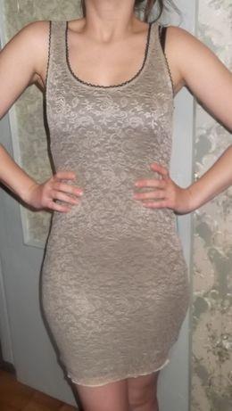 Молочное кружевное платье