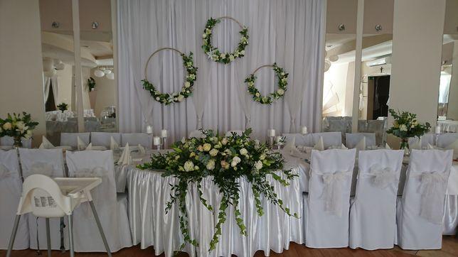 Dekoracja ślubna złote koła z kwiatami