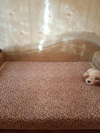 Продам диван б/у с ящиками для постельного белья