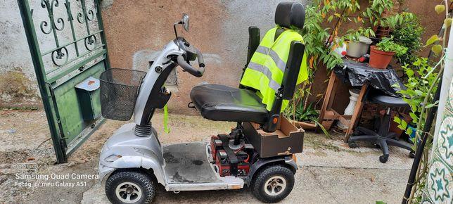 vendo scooter elétrica para pessoas com incapacidades motoras