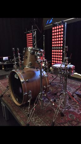 Продам барабанную установку DW Collectors series