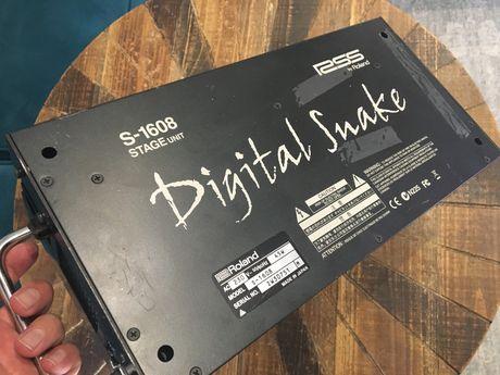 Digital snake Roland S-1608