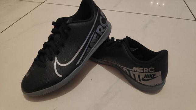 Buty Nike r. 32 NOWE