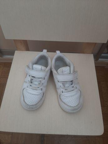 Белые кроссовки найк