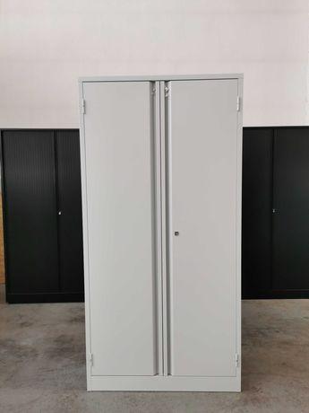 Szafa stalowa warsztatowa 200x100x45 z 4 półkami zamykana na klucz.