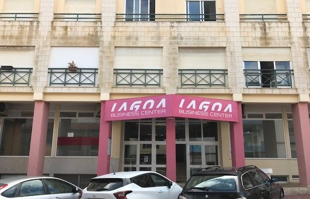 VENDO ou Arrendo LOJA - LAGOA BUSINESS Center Lagoa/ Algarve