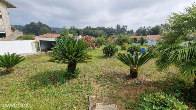 Casa 3 frentes terreno com 1250m² Pedroso