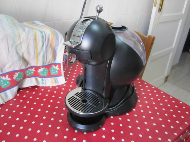 Maquina de cafe Dolce gusto.