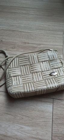 Włoska torebka, typu koszyk na sznurze.