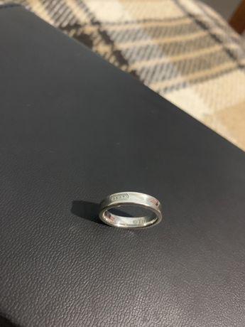 Кільце обручка колечко перстень прикраси