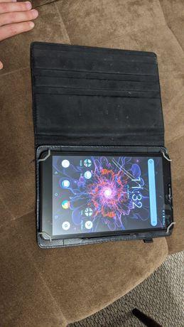 Планшет 10 дюймов nomi ultra40lte pro 2гб ОЗУ, 4 ядра, 8 андроид