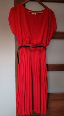 Czerwona plisowana sukienka rozm.38