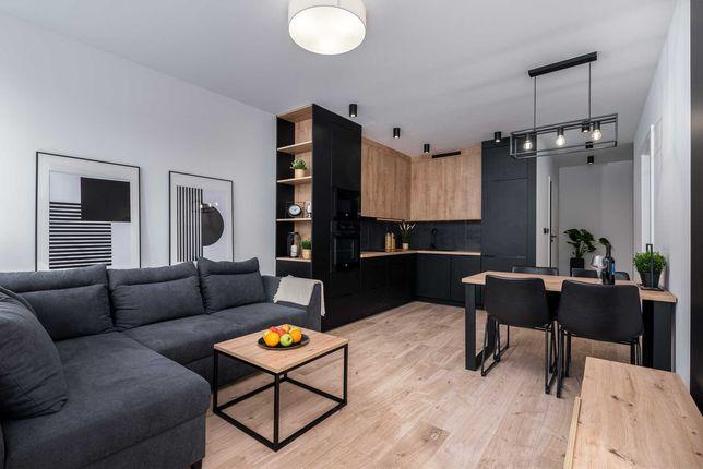 Nowoczesne, stylowe mieszkanie z garderobą w bloku z 2021 roku