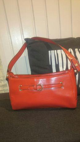 Piekna czerwona torebka jak nowa tanio
