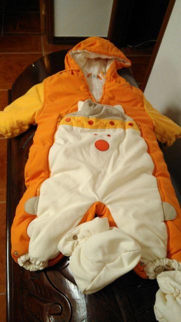 Macacão para bebé
