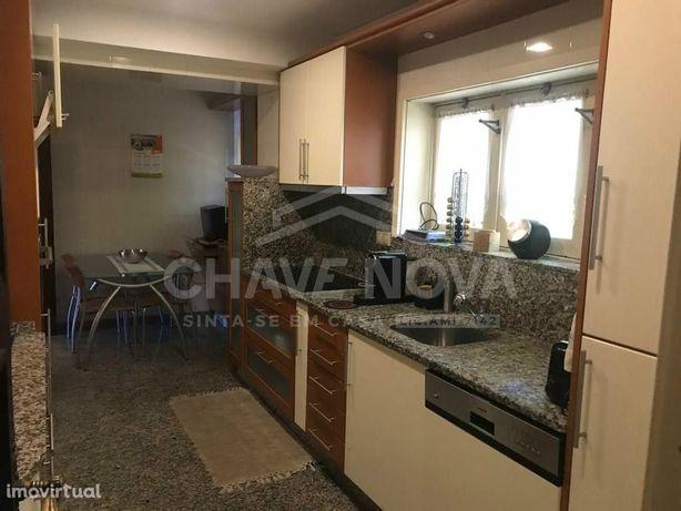 Apartamento T5 Duplex Arrendar ao Jardim Soares Reis
