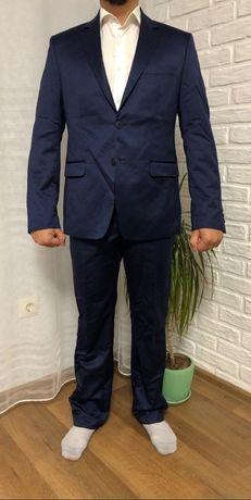 Свадебный мужской костюмчик
