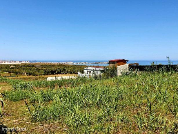 Terreno em Ferrel com vista mar