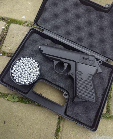 Пневматический пистолет Макаров Airsoft(страйкбол)+пули в комплекте