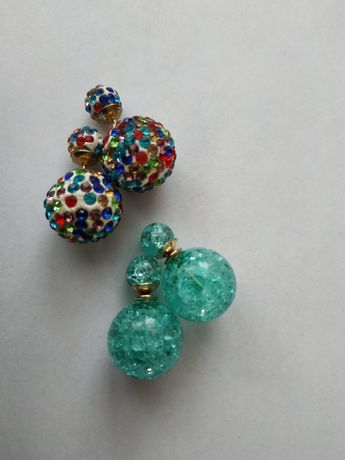 Kolczyki, kule. Efekt tłuczonego szkła- kolor miętowy. Kolorowe.